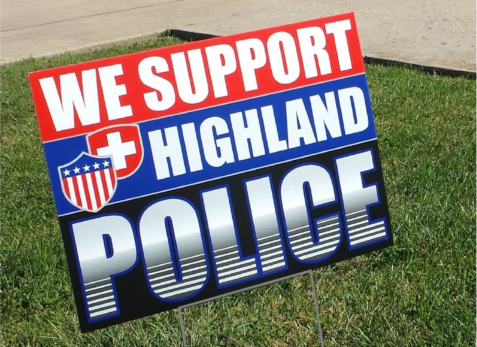 Highland Police Coroplast Yard Sign