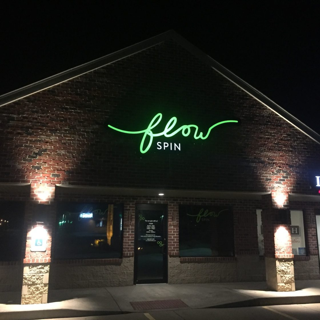 Flow Spin Lighted Sign Cabinet